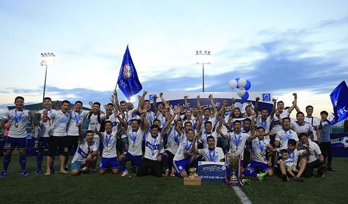 Bế mạc HL1-S5: Đánh bại Ecopark, FC Mobi trở thành tân vương HL1-S5