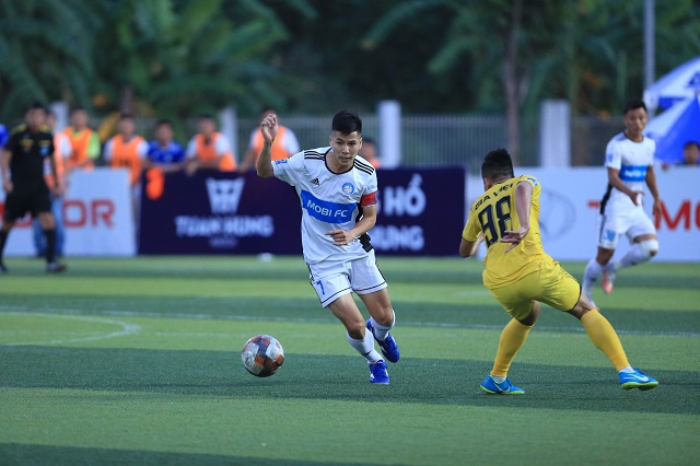FC Gia Việt 2 - 2 FC Mobi: Bản lĩnh đàn ông