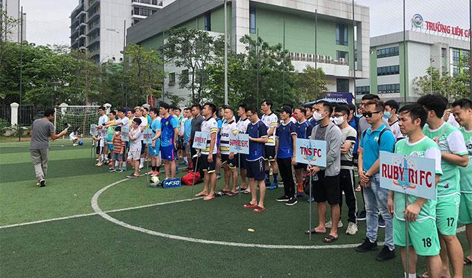 Sôi động giải đấu có mức phạt thẻ đỏ cao kỷ lục ở Hà Nội